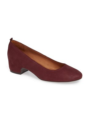 Gentle Souls by kenneth cole priscille pump