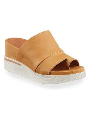Gentle Souls Gisele 65 Sporty Slides