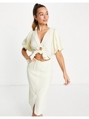 Ghospell midi dress with puff sleeves and waist cut out and tie in creamy yellow