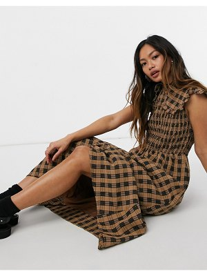 Ghospell sleeveless maxi dress with bib collar in brown check
