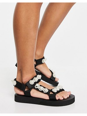 Glamorous sporty sandals with pearl detail in black-white