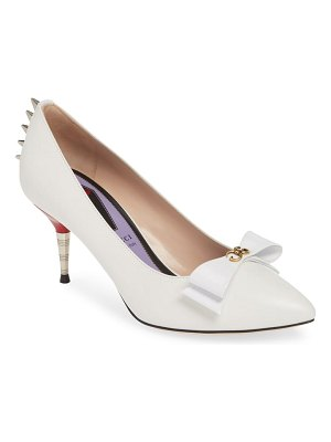 Gucci sadie spiked pointy toe pump
