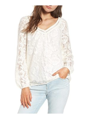 Hinge lace top