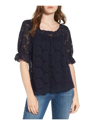 Hinge puff sleeve lace top