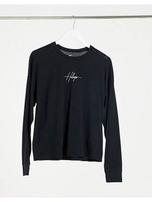 Hollister embroidered front logo long sleeve tee in black