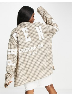 I Saw It First boyfriend longsleeve shirt with graphic print in beige check-neutral