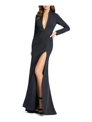IEENA FOR MAC DUGGAL Long-Sleeve Plunging Trumpet Gown