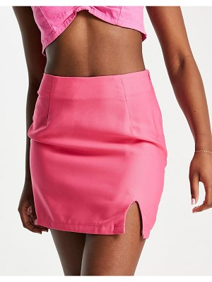 In The Style x naomi genes aline mini skirt in hot pink