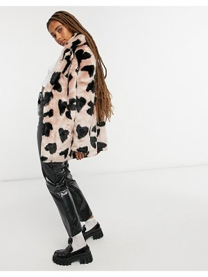 Jakke heather mid length faux fur coat in heart spot print-pink