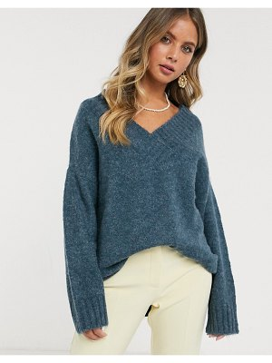 JDY oversized v neck sweater in blue-navy