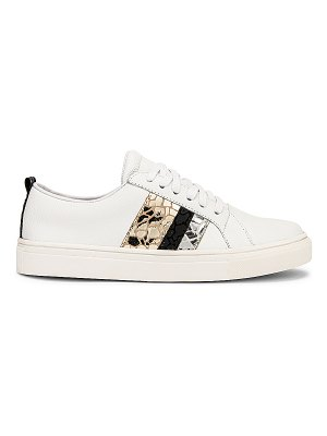 KAANAS bristol lace up sneaker with side stripes