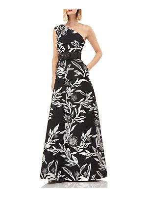 Kay Unger one-shoulder jacquard gown