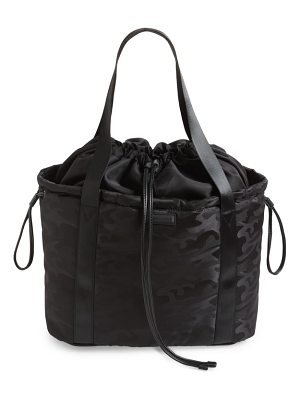 KENDALL + KYLIE blake camo water resistant tote