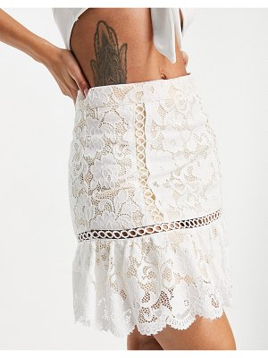 Love Triangle lace mini skirt with flounce in ivory set-white
