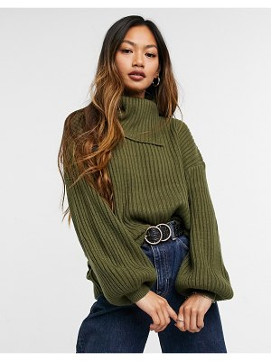 M Lounge relaxed sweater set with split collar and balloon sleeves-green