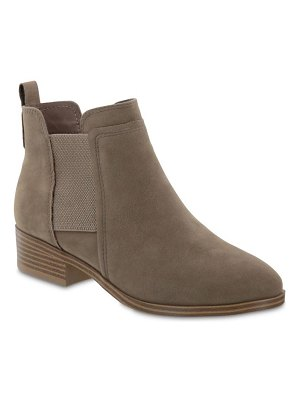 MIA flynn ankle boot