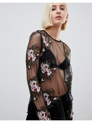 Minimum Sheer Top With Floral Embroidery