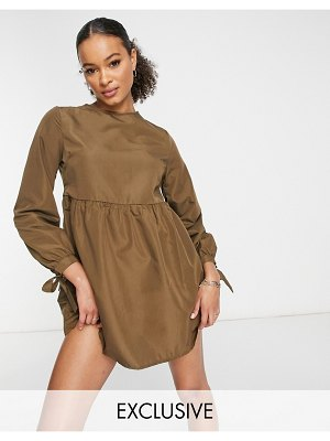 MISSGUIDED smock dress with tie cuff in khaki-green
