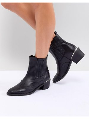 MISSGUIDED Western Ankle Boot