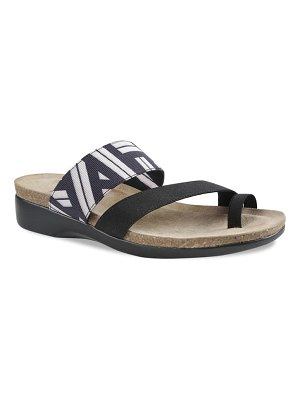Munro aries slide sandal