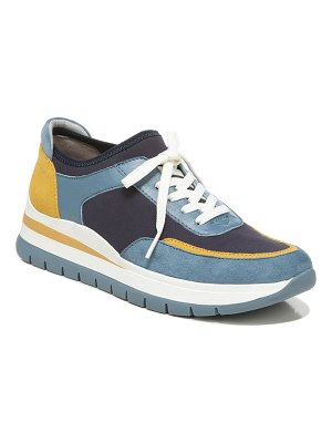 Naturalizer remy stretch sneaker