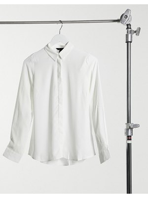 New Look classic button-down shirt in white-cream