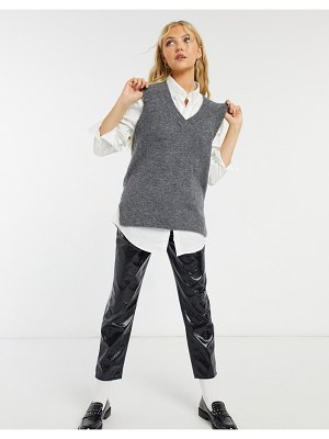 New Look knit sweater vest in gray-grey