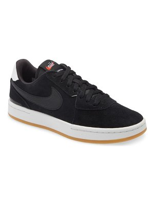 Nike court blanc se low top sneaker