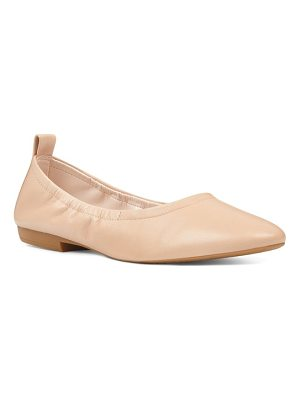 Nine West greige skimmer flat
