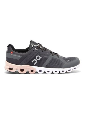 On cloudflow mesh running trainers