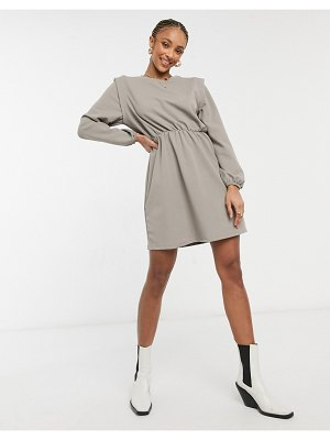 Only jersey mini dress with strong shoulder in gray-multi