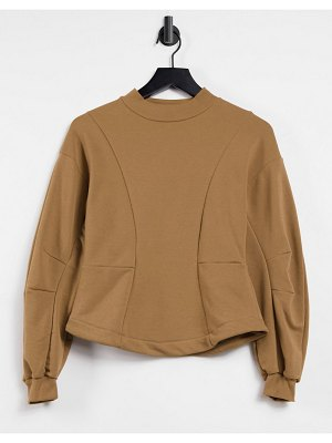 Only sweat top set with volume sleeve and seam detailing in brown