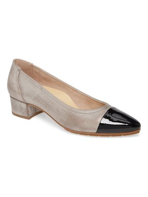 Paul Green chrissy cap toe pump