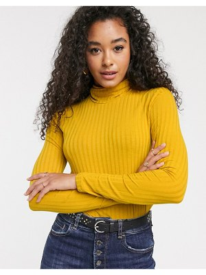 Pieces ribbed top with roll neck in yellow