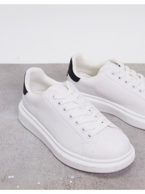Pull & Bear flatform sneakers with black back tab in white