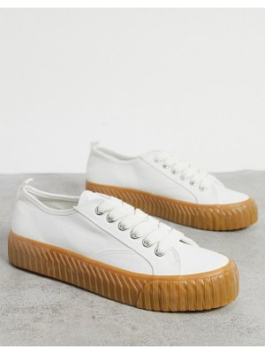 Pull & Bear flatform sneakers with gum sole in white