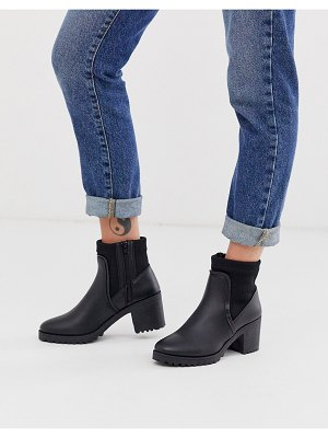 QUPID heeled boot in black