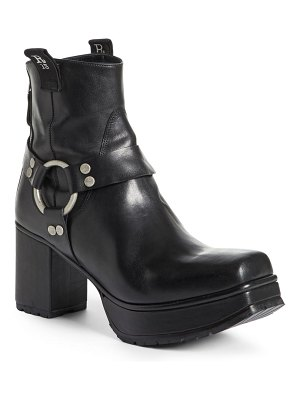 R13 ankle harness platform boot