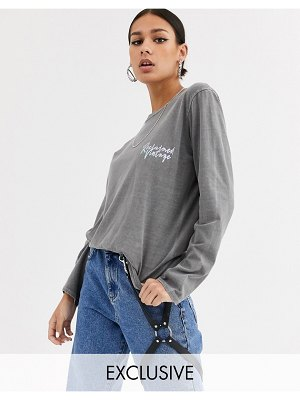 Reclaimed Vintage inspired oversized long-sleeved logo tee in charcoal overdye-gray