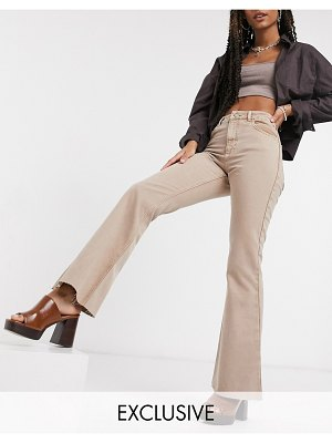 Reclaimed Vintage inspired the '99 flare jean in washed sand-beige