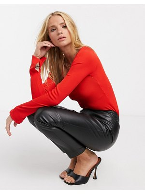 River Island sweetheart fitted long sleeved top in red