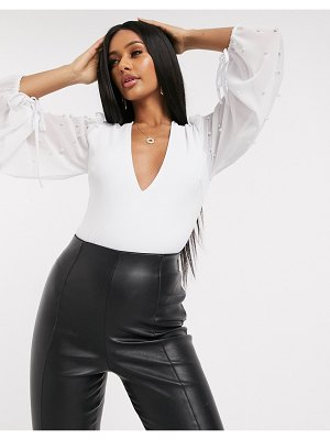 Saint Genies plunge front body with pearl sleeve detail in white