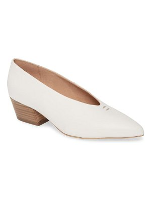 Seychelles compelling pointed toe pump