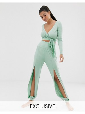 South Beach split front yoga pant in mint-green