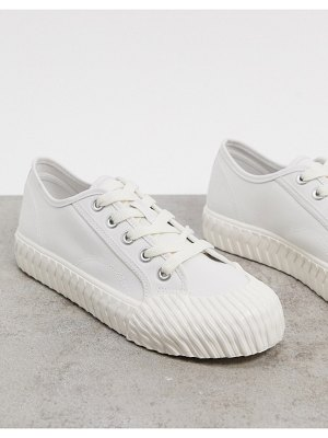 Stradivarius sneaker in white
