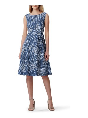 Tahari sleeveless embroidered dress