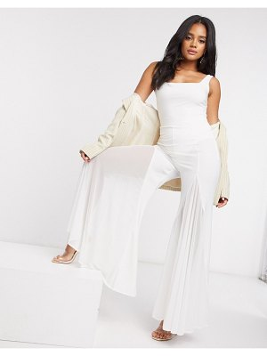 The Girlcode flare pants in white