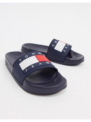 Tommy Jeans bubble flag slider in navy