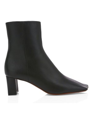 VETEMENTS boomerang square-toe leather ankle boots