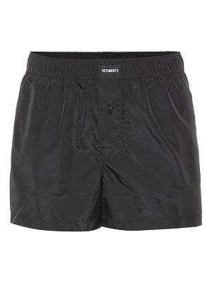 VETEMENTS logo-embroidered shorts